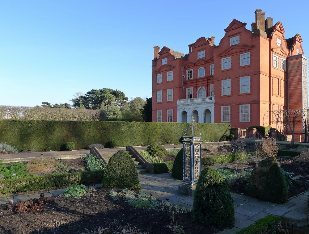 Kew Palace and Queen's Garden (photo credit Jill Browne)